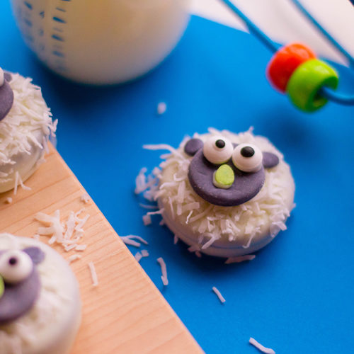 These chocolate covered oreo cookies in this adorable lamb design are the perfect addition to any babyshower or birthday party. Get the recipe here!