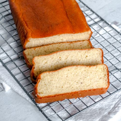Switched to a KETO diet and missing bread? You'll love this Keto Bread Recipe made from Scratch that's quick and simple for even beginners to make. #manthatlooksgood #keto #ketobread #baking