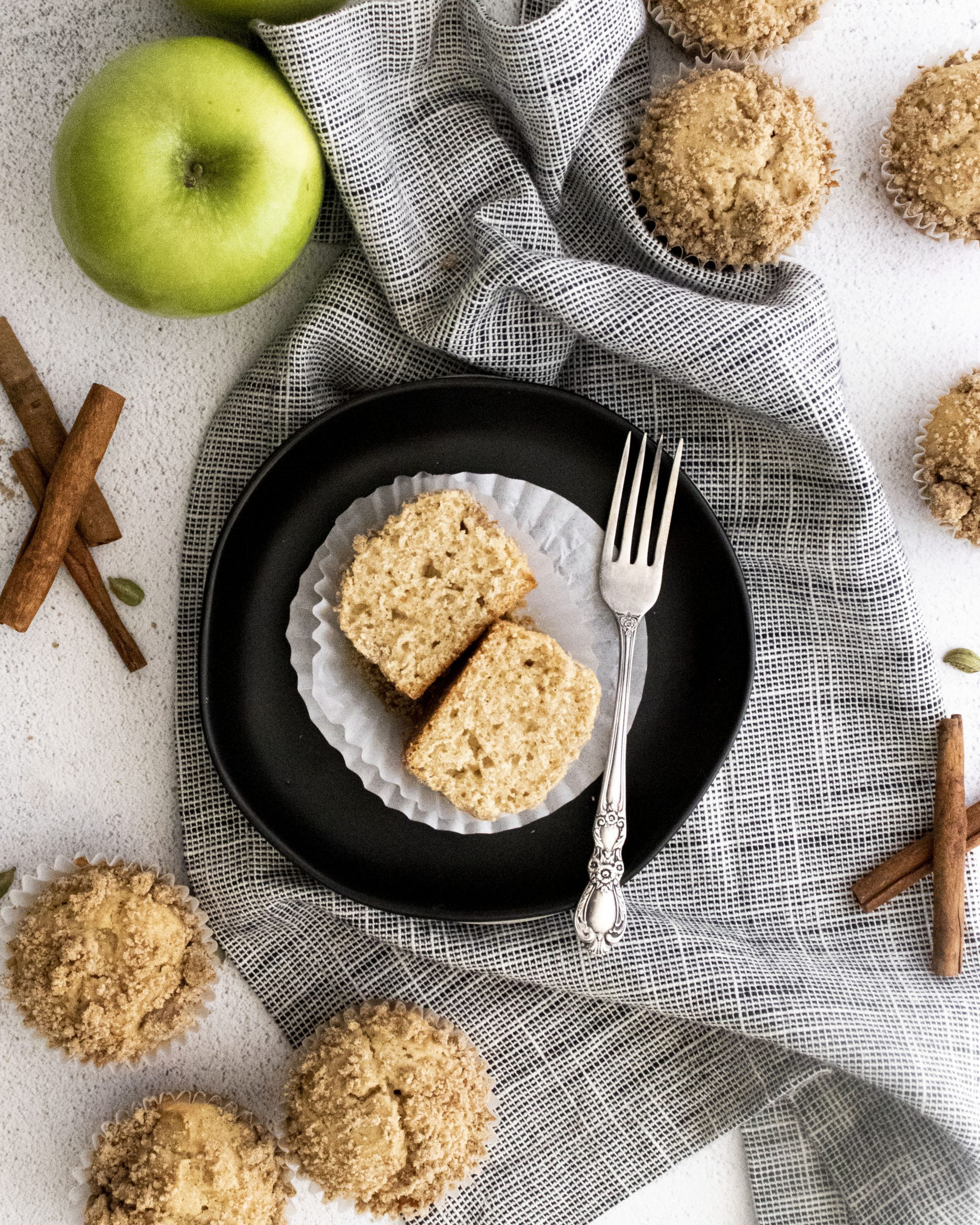 There are a few baked goods that will always remind me of fall, these amazingly good Apple Cider Muffins with Streusel are high on the list. #applemuffins #applecidermuffins #applecider #fallbakedgoods #breakfastmuffins