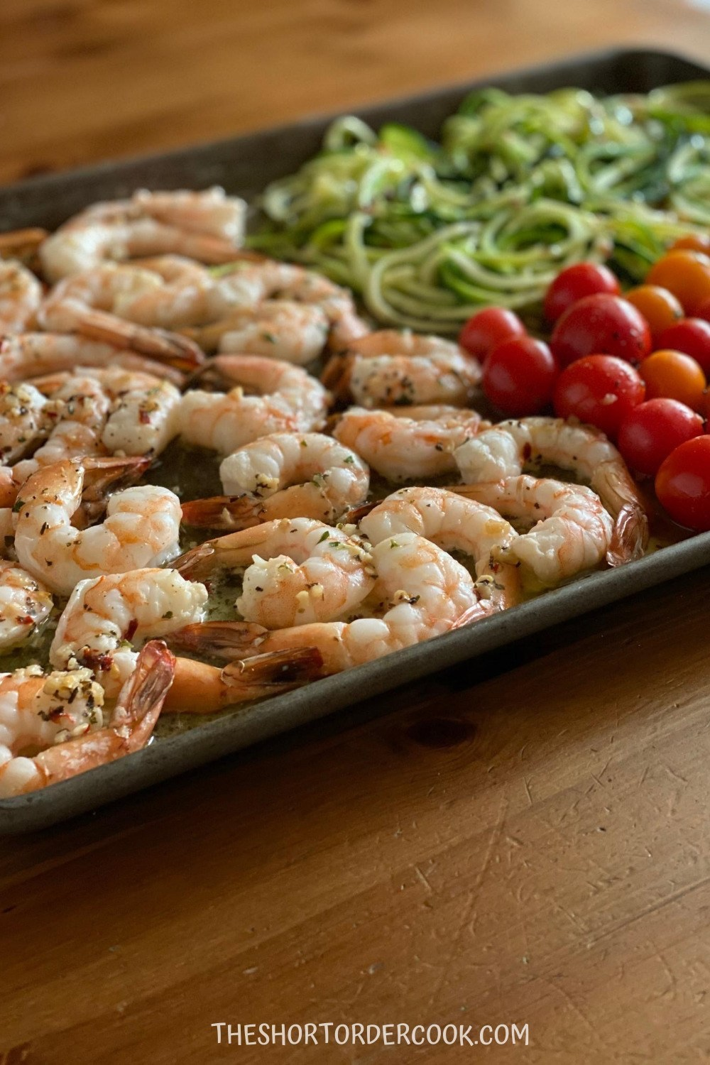 It's dinner time, you've had a long day and want to eat something quick. If pizza isn't sounding great, check out these quick Sheet Pan Dinner Ideas. #dinner #recipe #recipes #manthatlooksgood #sheetpandinner #sheetpanmeal #easyrecipes #quickrecipes